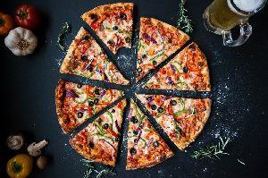 Pizzeria Da Cesare in Stuttgart - die leckere italienische Pizza vom Steinoffen